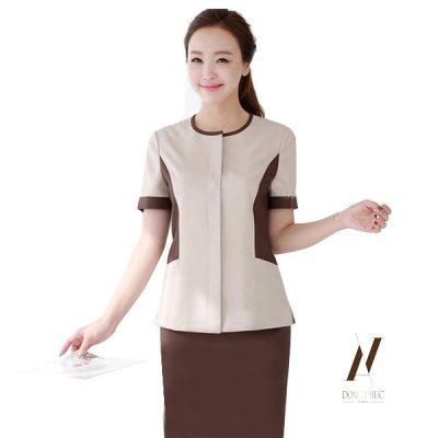Áo spa cổ tròn có thể dễ dàng thiết kế kiểu cách và lựa chọn nhiều loại vải khác nhau