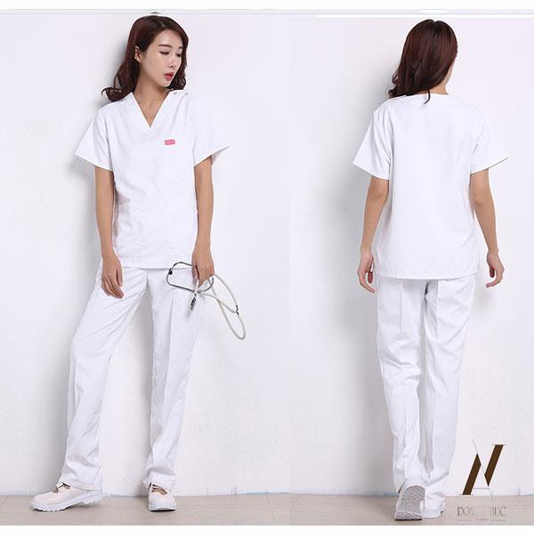 Không được sử dụng biểu tượng chữ thập đỏ trên trang phục y tá là quy định bắt buộc của ngành Y