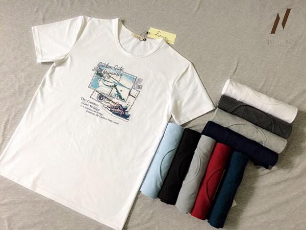 Khi lựa chọn áo thun cổ tròn cần lưu ý tới chiều dài thân áo để có độ thẩm mỹ nhất